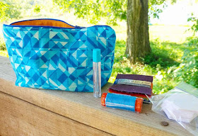 Zipper pouch in blue and oragne for Quilting Jetgirl