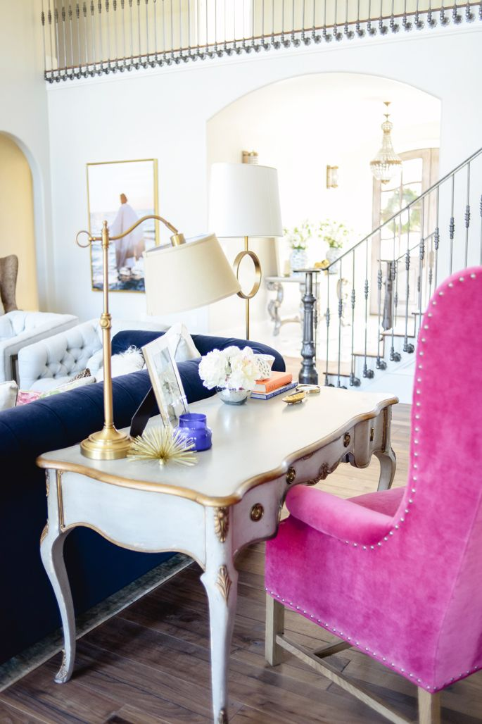 to wear - Furniture pink video