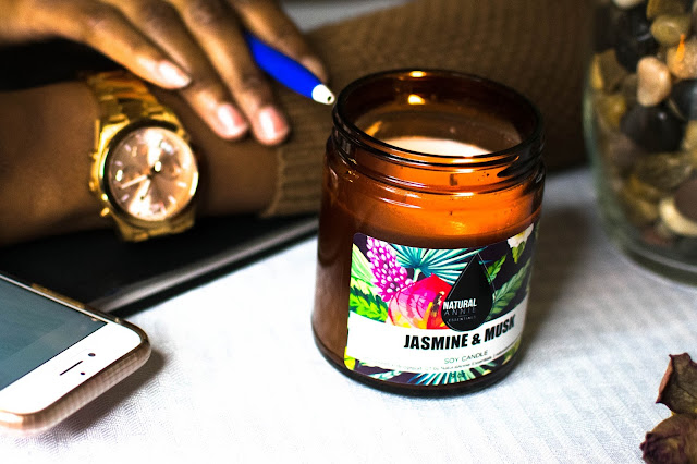 NaturalAnnie Essentials jasmine and rose soy candle