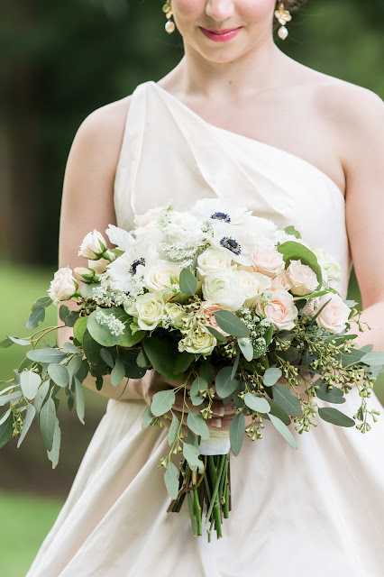 June Wedding Flower Inspiration _ Houston Memorial Area Weddings _ HRC Weddings _ Lawrence Elizabeth Knox Photographer