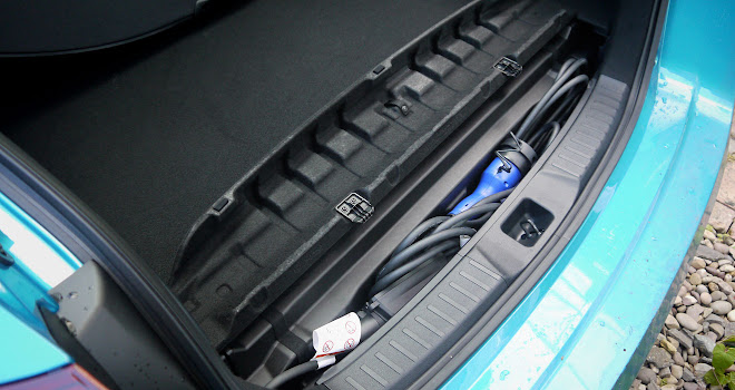 Toyota Prius Plug-in cable stowage