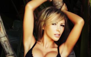 10 Hacker Wanita Cantik Paling Terkenal Di Dunia
