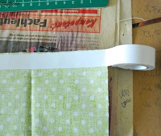 DIY selbstklebende Stoffbänder: Schritt 1