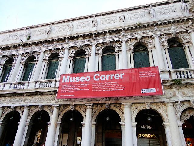 Benátské muzea ve svitu měsíce, Benátky, muzeum Correr, Náměstí Svatého Marka
