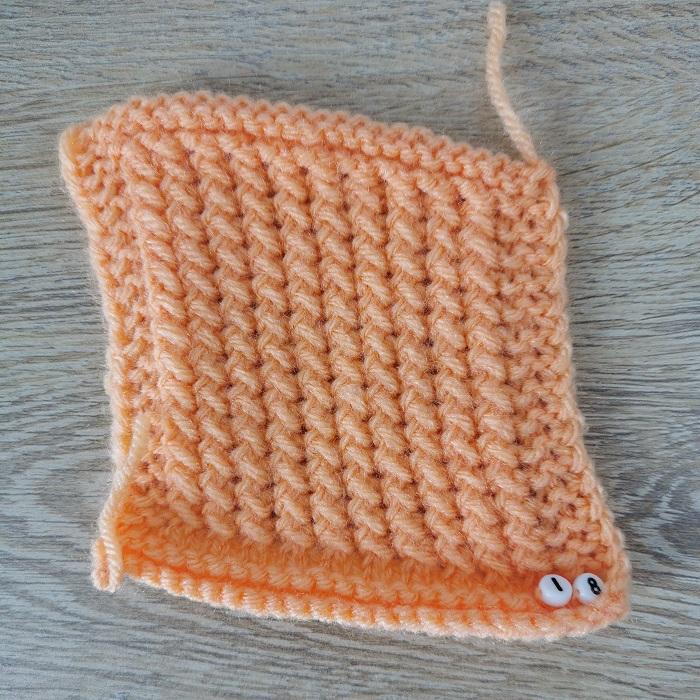 point croisé au tricot, vue de face, par Chat Tricote Par Ici, Hello c'est Marine