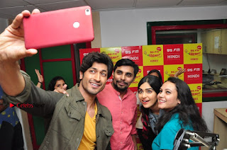 Vidyut Jamwal Adah Sharma Commando 2 Movie Team at Radio Mirchi 95  0044.jpg