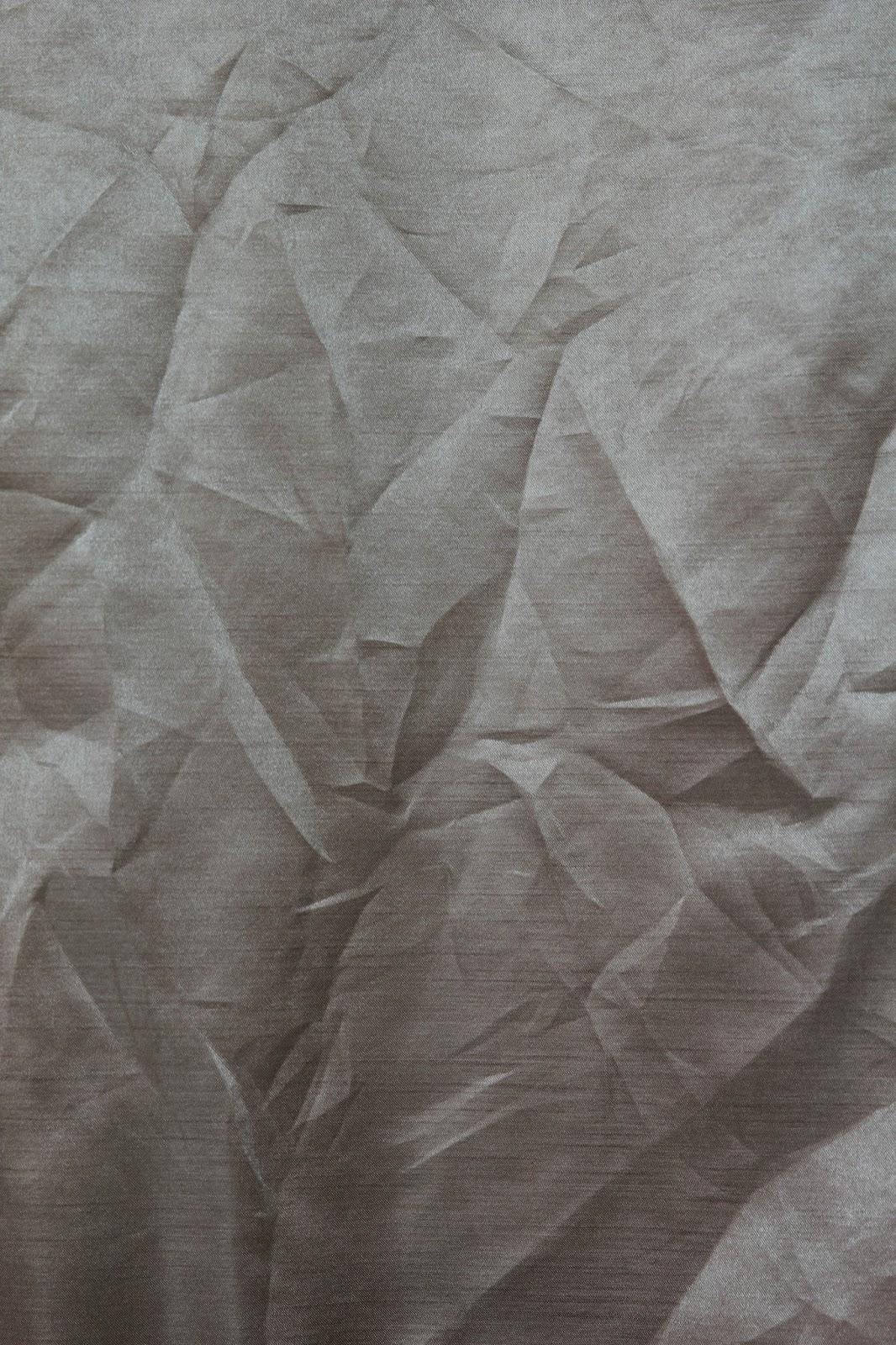 Wrinkled Shiny Fabric 2560