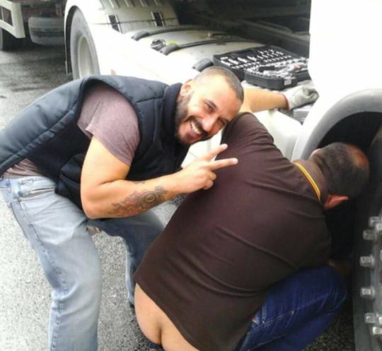 Gay di gomma Bondage porno
