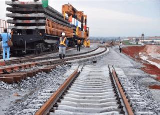 FG begins Lagos-Ibadan free train ride
