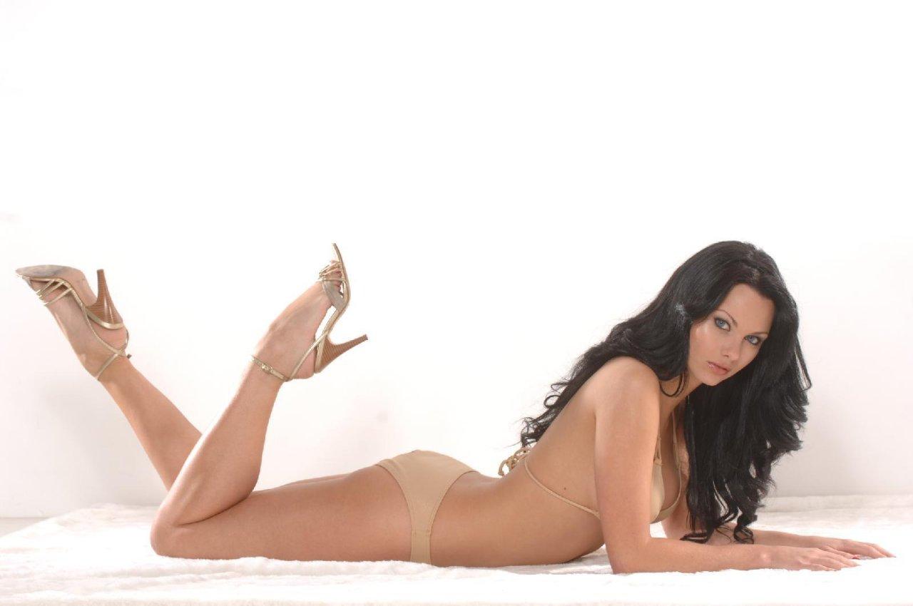 Jessica jane clement bikini 7