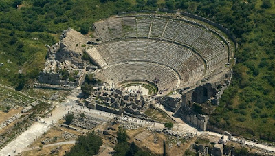 Menyaksikan Reruntuhan The Great Theatre Ephesus Turki