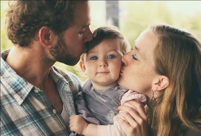 Keluarga kecil bahagia Tanda cinta yang paling mencolok untuk melihat seberapa seriuskah pacar atau pasangan kamu untuk berkomitmen ke jenjang pernikahan.