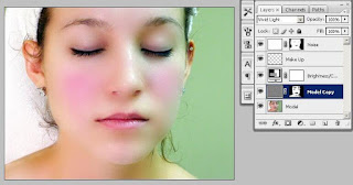 Cara Menghaluskan Wajah Berjerawat dengan Photoshop
