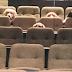 Σκύλοι πήγαν στο θέατρο για καλό σκοπό και έγιναν viral...