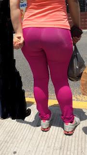 Mujeres caderonas calzas pegadas
