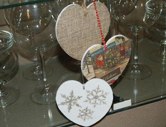 guirnalda-navidad-corazones-corcho