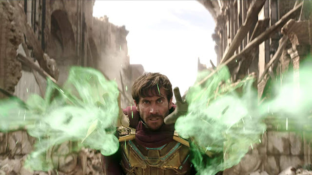 jake gyllenhaal shoots green mist from his hands