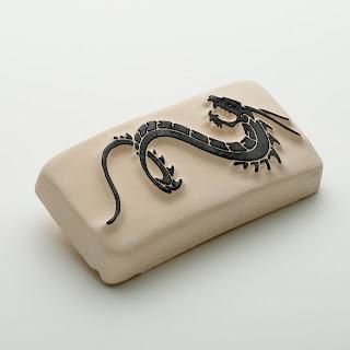 justeaddict la pierre de tatouage dragon tribal. Black Bedroom Furniture Sets. Home Design Ideas