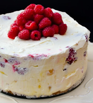 Deep Lemon Curd and Raspberry No-Bake Cheesecake