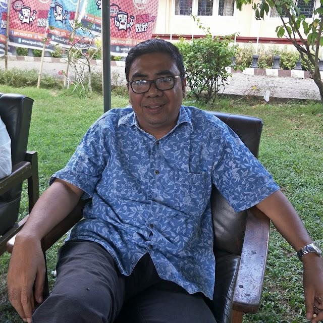 <b>Ngantor di Tenda Darurat, KPU NTB Lanjutkan Tahapan Klarifikasi Keberadaan Bacaleg Diduga Bermasalah</b>