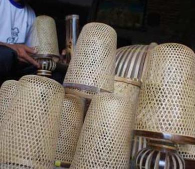 Kerajinan tangan yang berasal dari sulawesi utara dan ...