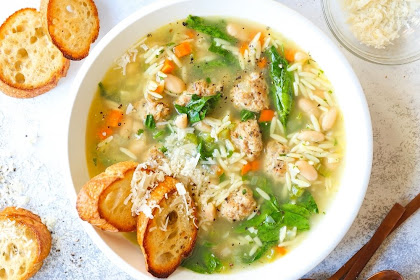 SPINACH AND WHITE BEAN MEATBALL SOUP