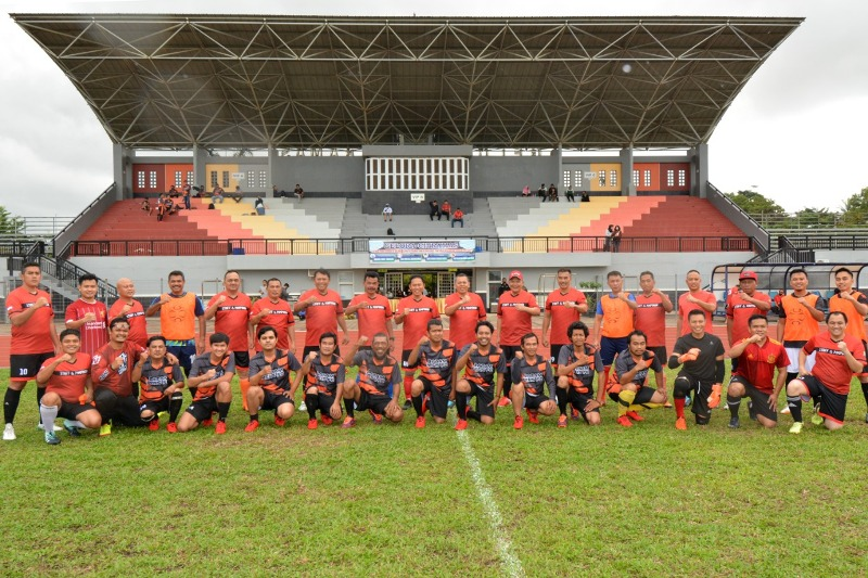 Danlantamal IV Perkuat Pertandingan Sepak Bola Persahabatan Antara TNI/POLRI dan Awak Media