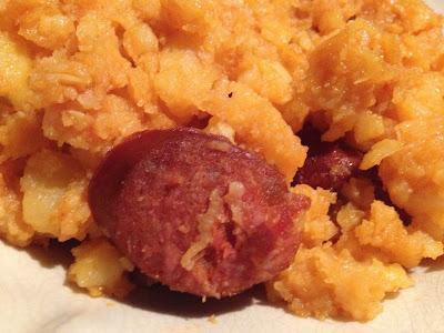 """Patatas revolconas con chorizo y huevos fritos - receta extremeña - Patatas """"meneás"""" - receta - el gastrónomo - ÁlvaroGP"""
