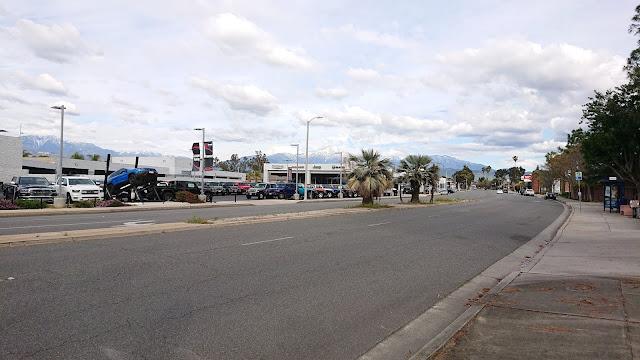 Redlands Blvd