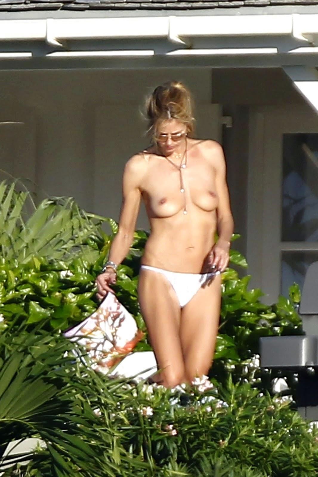 Heidi Klum Topless Bikini Candid Photos Sunbathing In St