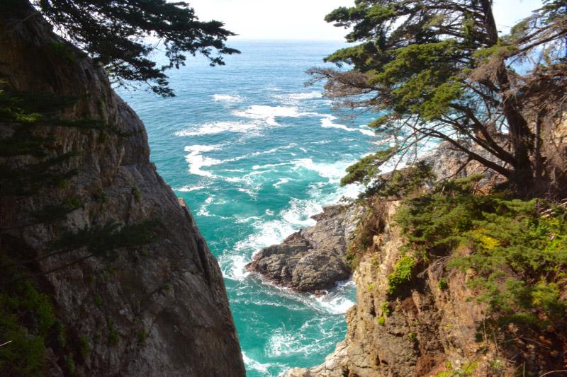 Скалы Парка Джулии Пфайффер Бернс в Калифорнии