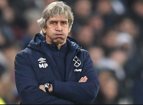 West Ham sack Manuel Pellegrini after defeat by Leicester