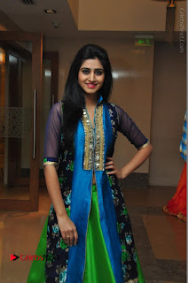 Actress Model Shamili Sounderajan Pos in Desginer Long Dress at Khwaaish Designer Exhibition Curtain Raiser  0045.JPG