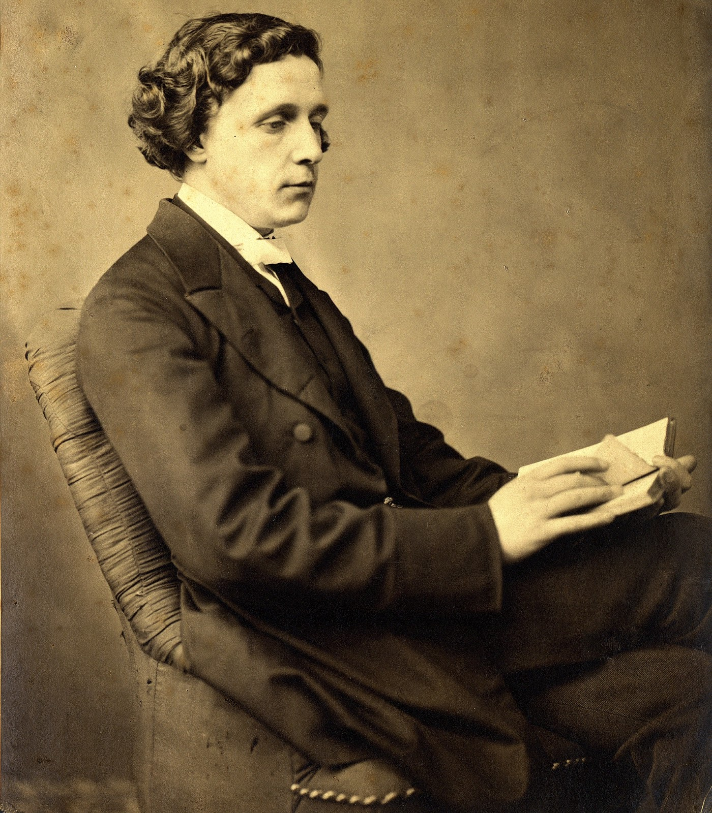My Review Of Lewis Carroll Photography On The Move By