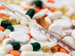 Puede estar pagando de más por sus medicamentos para el resfrío y la gripe