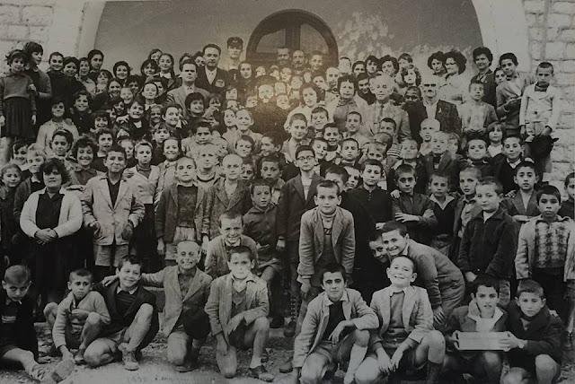 Η ΕΝΑΡΞΗ ΤΩΝ ΚΑΤΗΧΗΤΙΚΩΝ ΣΤΗΝ ΗΓΟΥΜΕΝΙΤΣΑ ΤΟΥ 1960