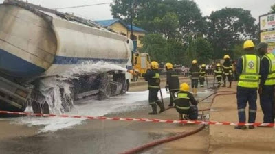 Operation Flee....  As Another Petrol Tanker Falls On The Road In Onitsha
