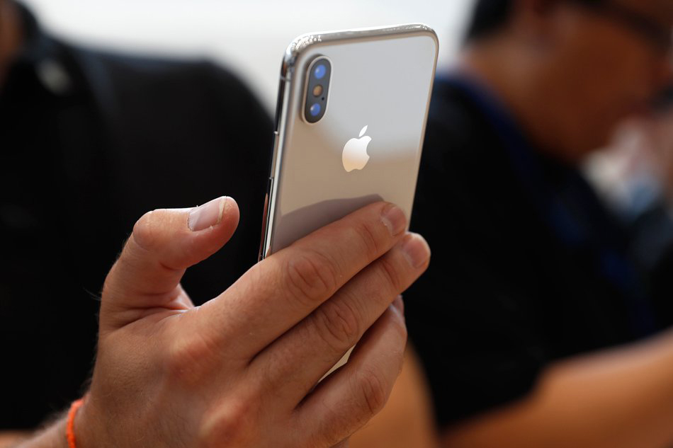 New iPhone brings face recognition to the masses