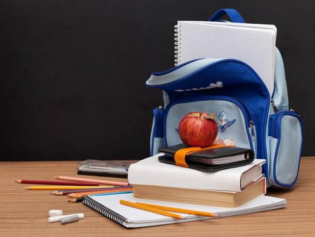 Школьникам из малоимущих семей будут выдавать школьные принадлежности