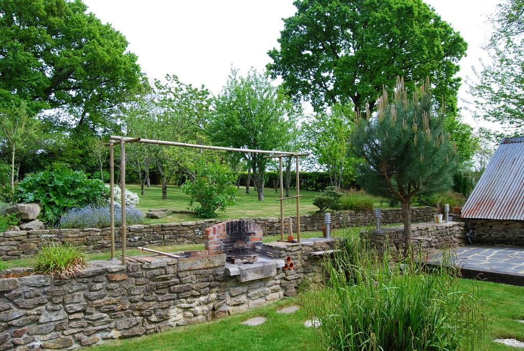 Maison à vendre à Rosporden (29): La terrasse en bois, le ...