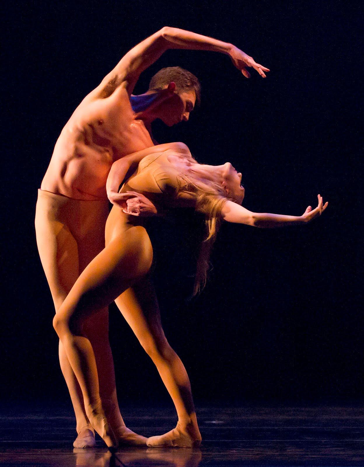 Nude Couple Dancing 44