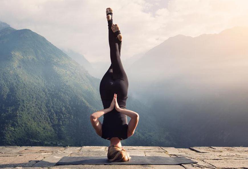 Những lý do bạn nên thực hành Yoga lộn ngược mỗi ngày