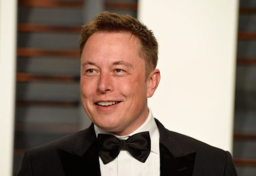 Musk giàu