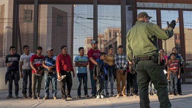 The United States to ship border migrants 'across the entire nation'