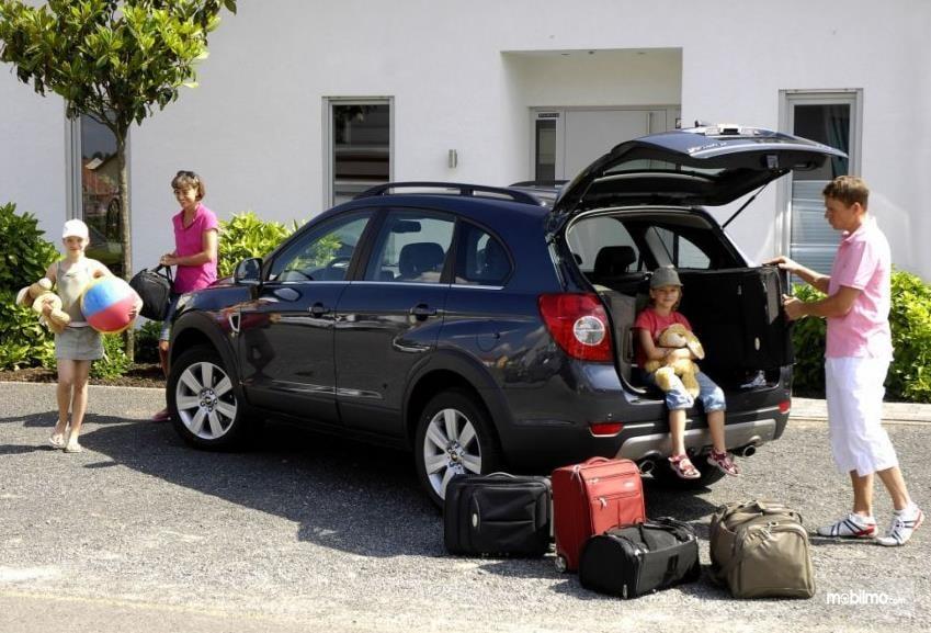 Pilihan Mobil Keluarga Nyaman Buat Liburan Anda Menyenangkan Versi jejak Unik