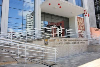 Justiça manda prefeitura na PB demitir todos os comissionados