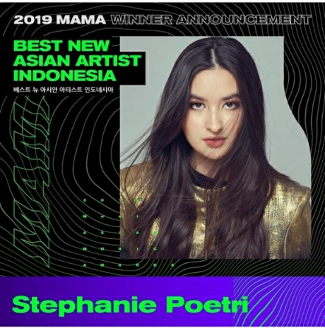 Bangganya; Stephanie Poetri Menyabet Penghargaan The Best New Asian Artist Indonesia di Ajang MAMA 2019