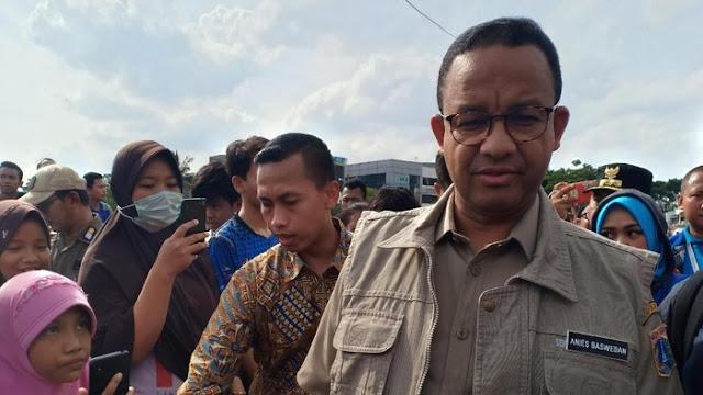 Jihar News, Jokowi Sebut Banjir karena Warga Buang Sampah, Anies: Apa Ada di Bandara?