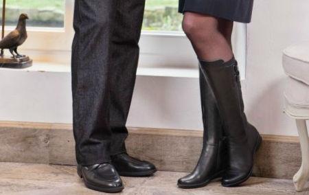 931060b5fa9 Hoge dameslaarzen zijn lekker behaaglijk, houden je voeten droog en zien er  vaak waanzinnig mooi uit. Vrouwelijk, verleidelijk en elegant. Maar wat zijn  nu ...