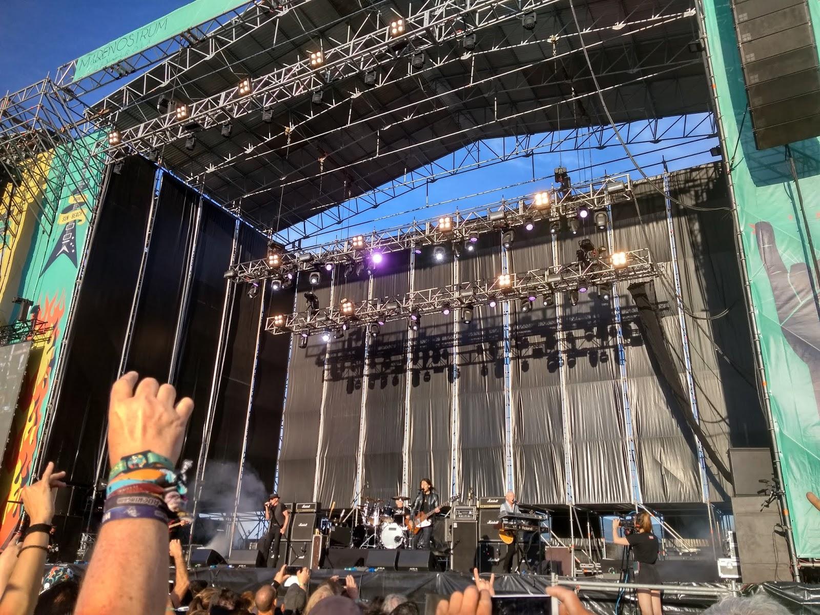 UFO concierto